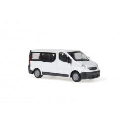 R 11431_Opel Vivaro 2006 Bus weiß